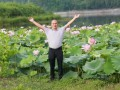 杨清:种植田藕带村民一起致富